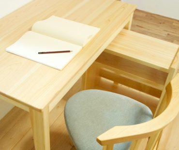 子供机 _ kids table